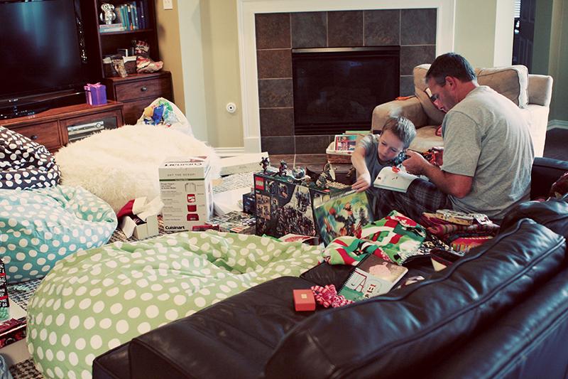 Christmasmorning2010 web